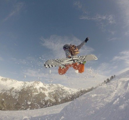 Snowboarder in Argentera (ITA) - © User