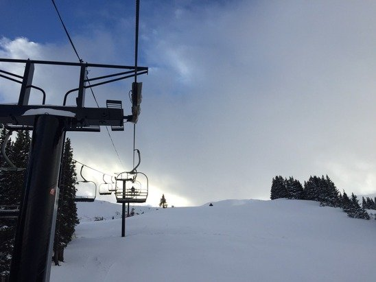 Good coverage and packed powder. Crowds weren't bad, a hand full of people on slopes after 2:30.
