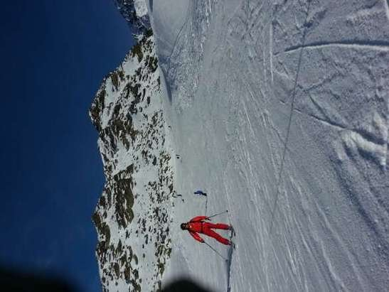 Great condition. sometimes icy underneath. below les 3 valless you hardly find snow. only high altitude skiing at the moment in france therefore expensive...