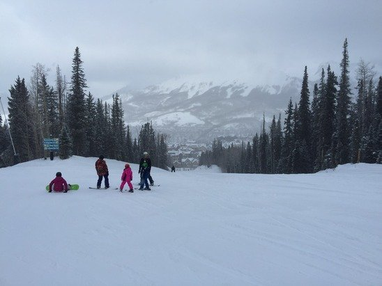 Don't believe the ski report it's 3 inches of powder at Telluride. Woohoo!!!