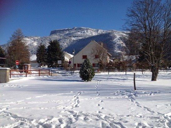 Paysage magnifique Dommage qu'il manque un peu de neige fraîche sur les pistes
