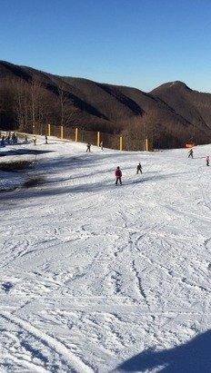 5/1/2015 neve poca ma buona...(se scende la temp. Sparano ) piste aperte: campo scuola / polla 1 e tomba 1 commento: proprio la voglia di sciare!