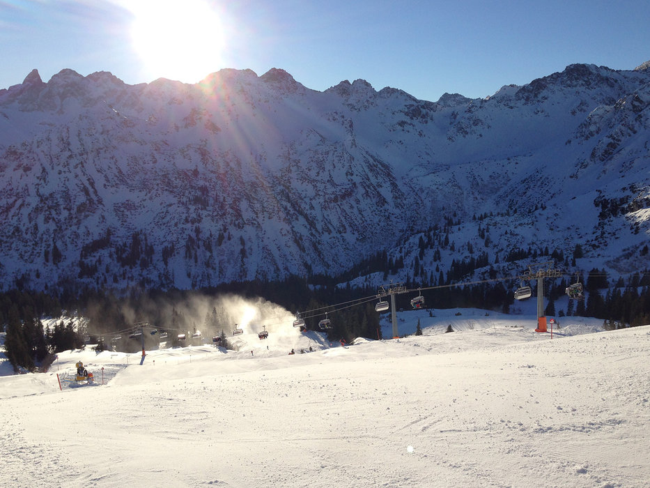 With sunny weather, the pistes are at their best conditions - ©Kleinwalsertal