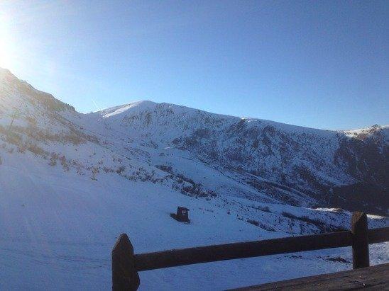 Ieri, 6 gennaio 2015, giornata di neve bellissima, sia mattino che pomeriggio! Qualche lastra di ghiaccio si è vista dalle 14 avanti.... Gestibile!!!