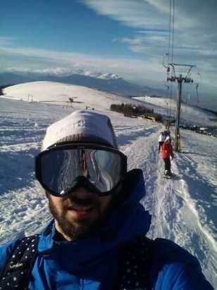 giornata spettacolare, sciare e vedere il mare  .   tanta neve...