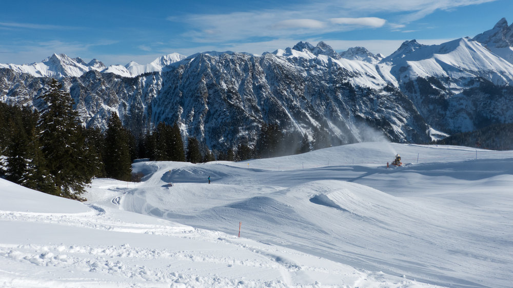 Undulating pistes charge the landscape - © Fellhornbahn GmbH