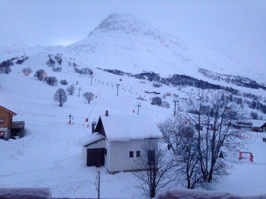 Photo du 31/01. Aujourd'hui il neige il neige il neige.
