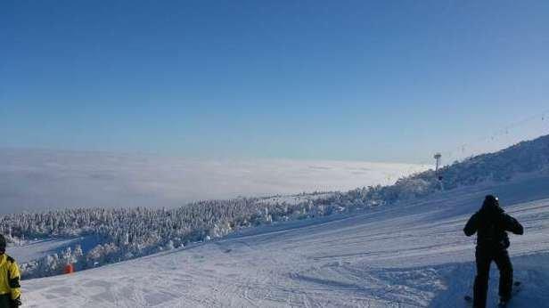 très bonne journée aujourd'hui, le soleil de la bonne neige et pas grand monde.