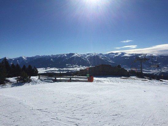 Super journée de ski. Bonne neige