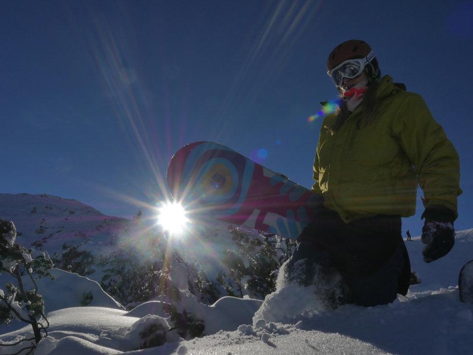 Auch Snowboarder finden hier ihren Schneespaß - © Rainer Reitmeier/Skigebiet Sonnenkopf