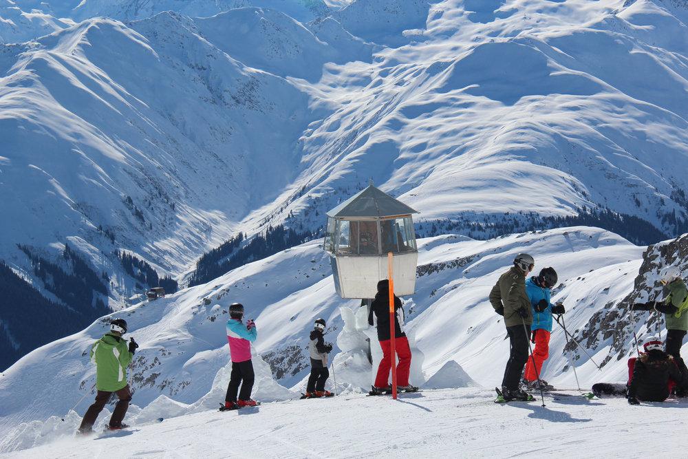 Skifahrer in Disentis 3000 - © Skiinfo | J. Schächter