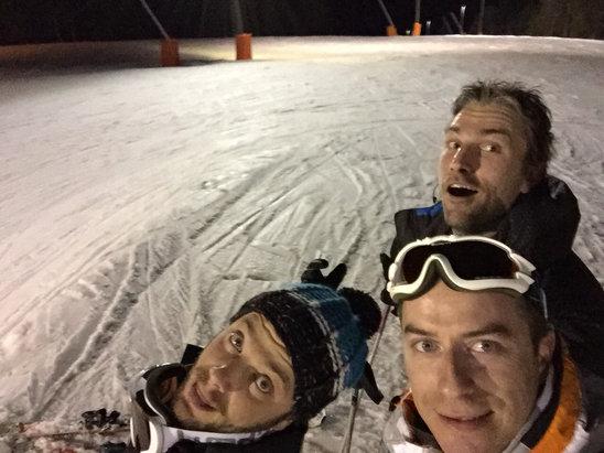 Gérardmer - Temps magnifique, très bonne soirée de ride, et la neige tient bon, le ride sera possible pour 20... To be continue  - © Flow
