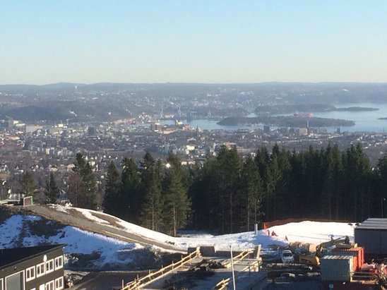 Oslo Vinterpark - Tryvann - Firsthand Ski Report - ©iPhone 5S Jh