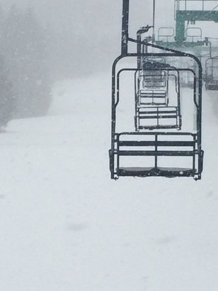 Elk Mountain Ski Resort - Nice 2 inches of powder snow today - © ski king