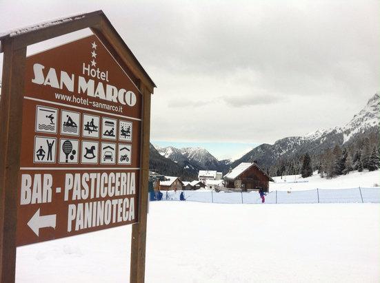 Falcade - Passo San Pellegrino - Sabato 28 marzo neve battuta ottima e sole a volontà - © iZepad