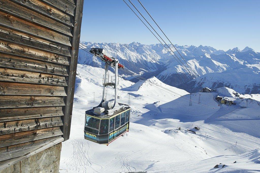 Gondelbahn vom Weissfluhjoch auf den Weissfluhgipfel - © © Destination Davos Klosters