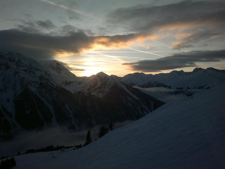 Západ slnka nad Tuxer Alpami - ©lipocky @ Skiinfo Lounge