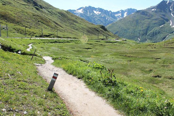Rheinquelle Wandern - © Graubünden Ferien