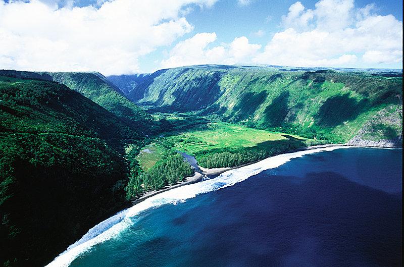 Waipio Valley - © Hawaii Tourism Authority (HTA) / Kirk Lee Aeder
