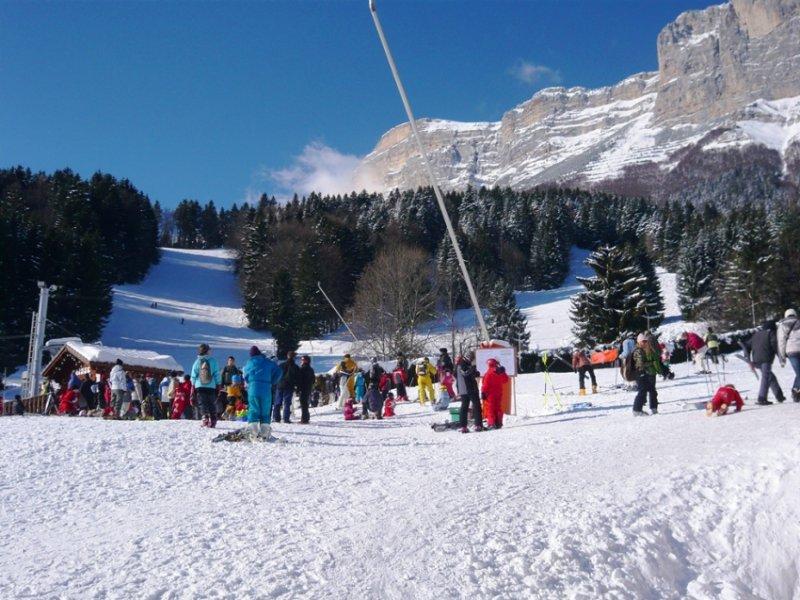 Conditions idéales (soleil et neige fraîche) sur les pistes de ski de Saint Hilaire du Touvet