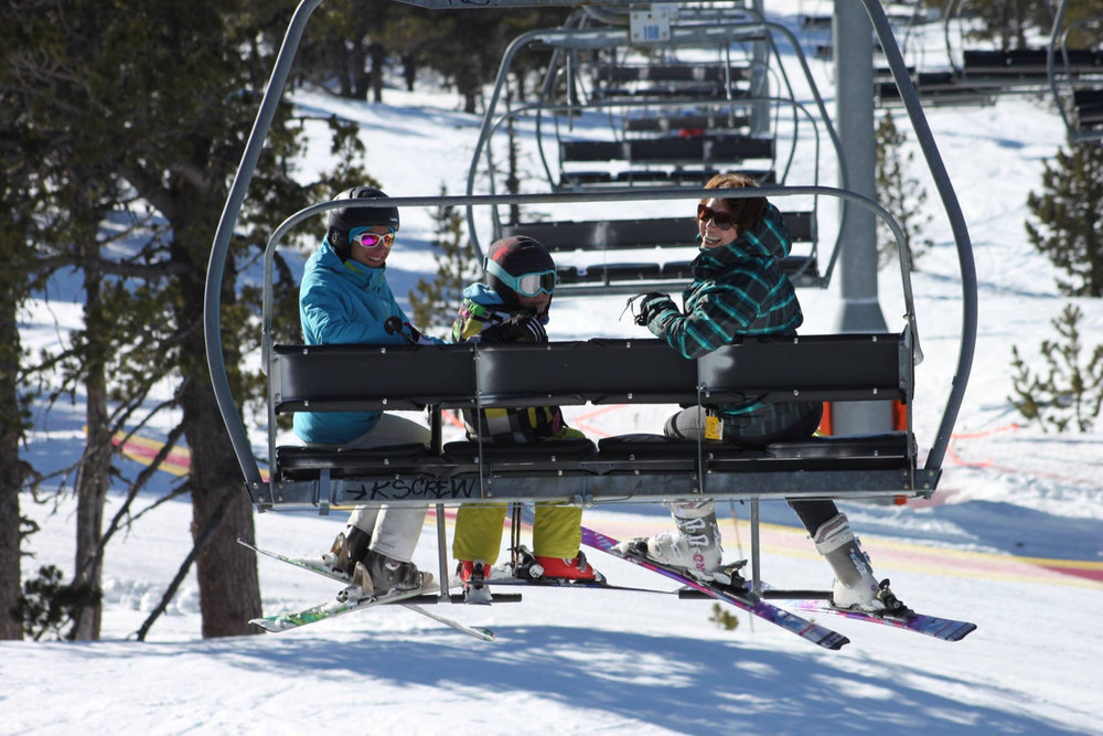 Ski en famille à Formiguères - © Station de ski de Formiguères