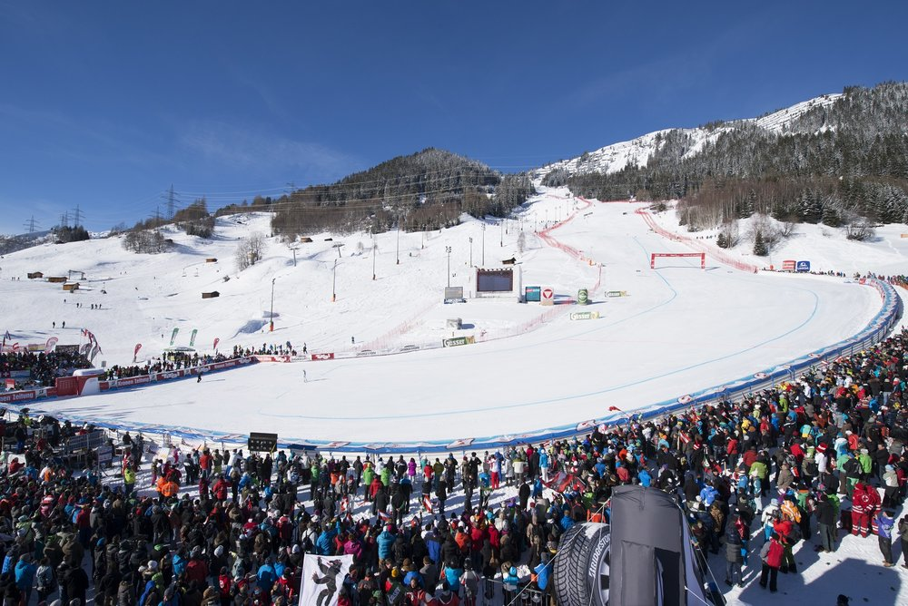 - © Womens ski world elite is battling in St. Anton