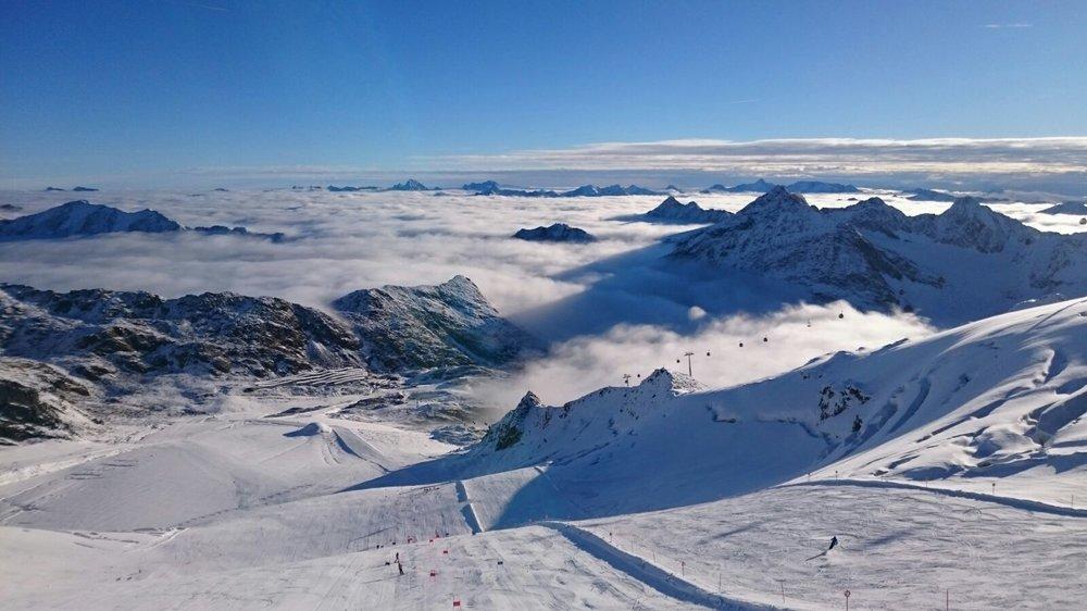 Ledovec Pitztal trčí nad mraky - © Pitztaler Gletscherbahn GmbH&CoKG
