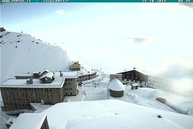 Passo Stelvio, neve fresca 15.10.15 - © Passo Stelvio Webcam