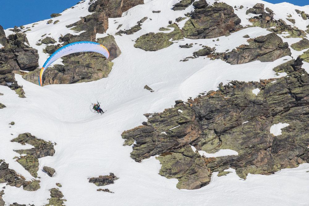 Vol découverte ou vol acrobatique, à vous de choisir... - © C. Cattin / OT Val Thorens