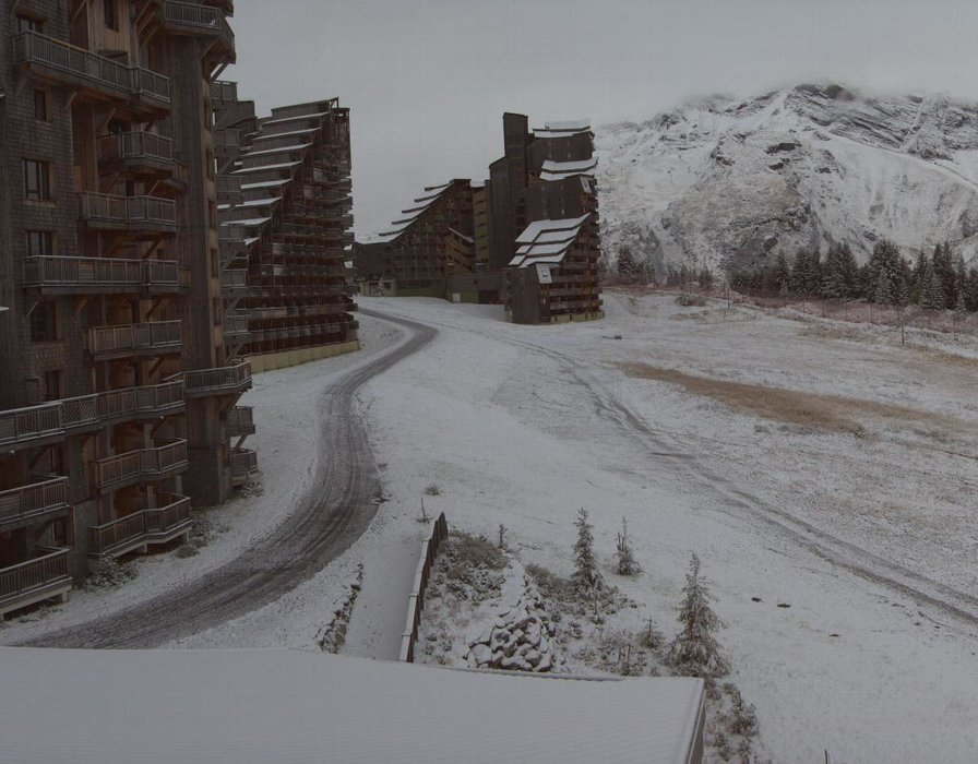 Wake up with snow at Avoriaz (October 16, 2015)