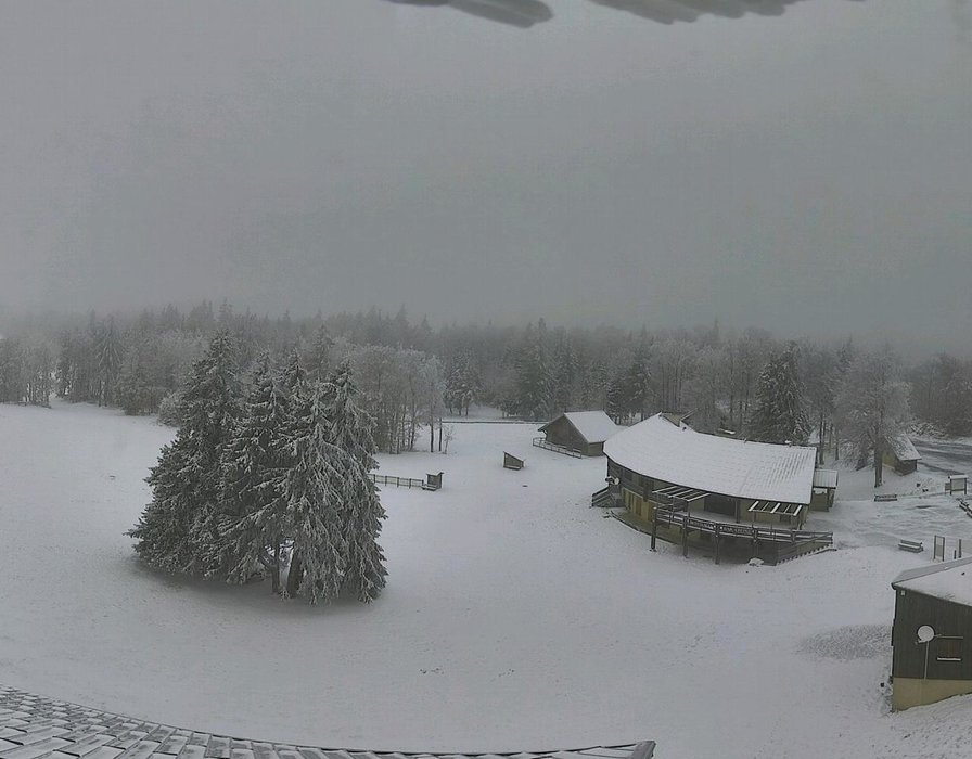 Wake up with snow at Font d'Urle (October 16, 2015)