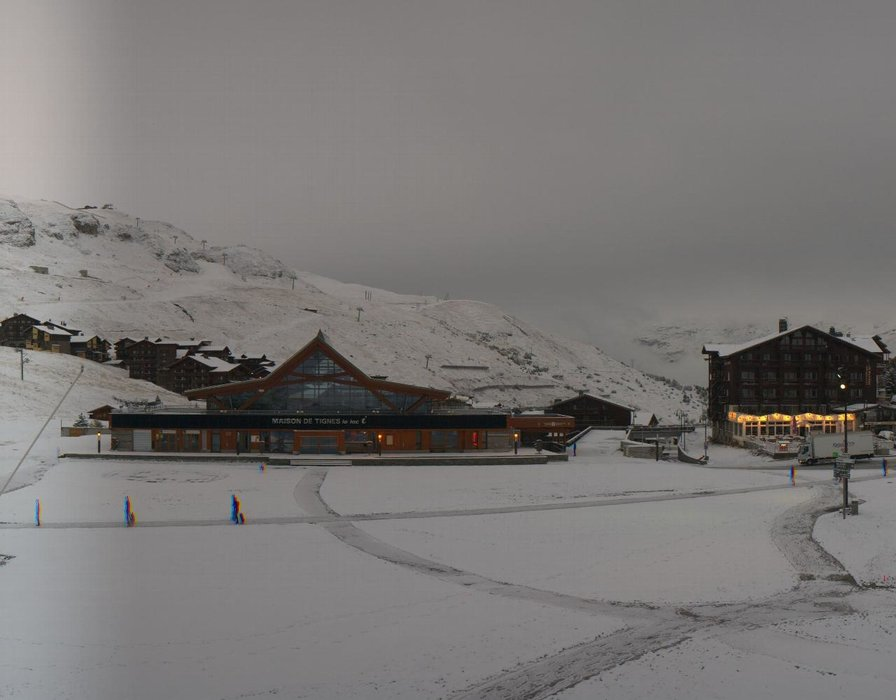 Wake up with snow at Tignes (October 16, 2015)