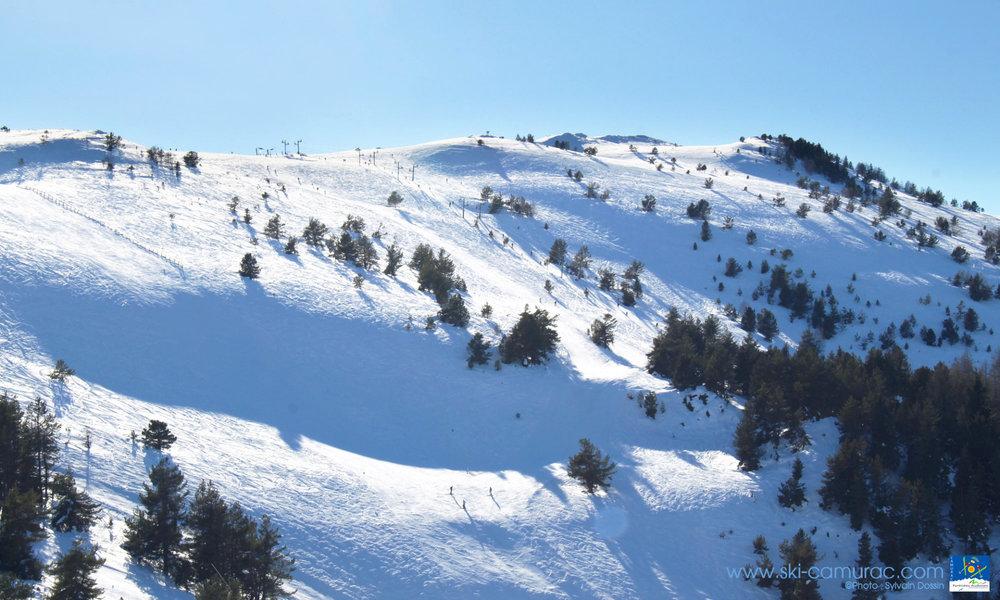 Vue sur le domaine skiable de Camurac - © Sylvain Dossin / Station de ski de CAMURAC