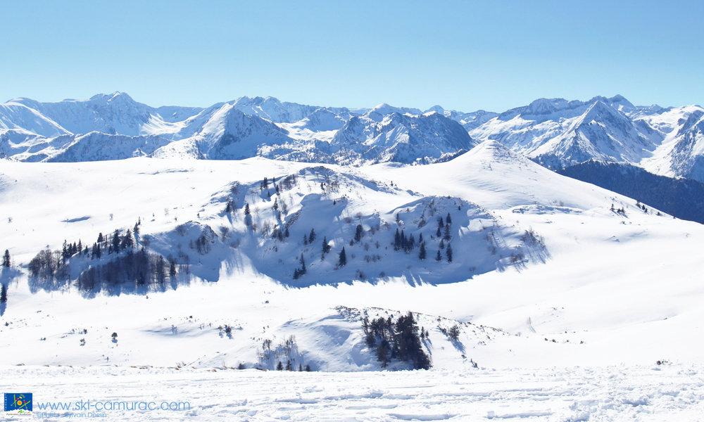 Panorama grandiose depuis les pistes de ski de Camurac - © Sylvain Dossin / Station de ski de CAMURAC