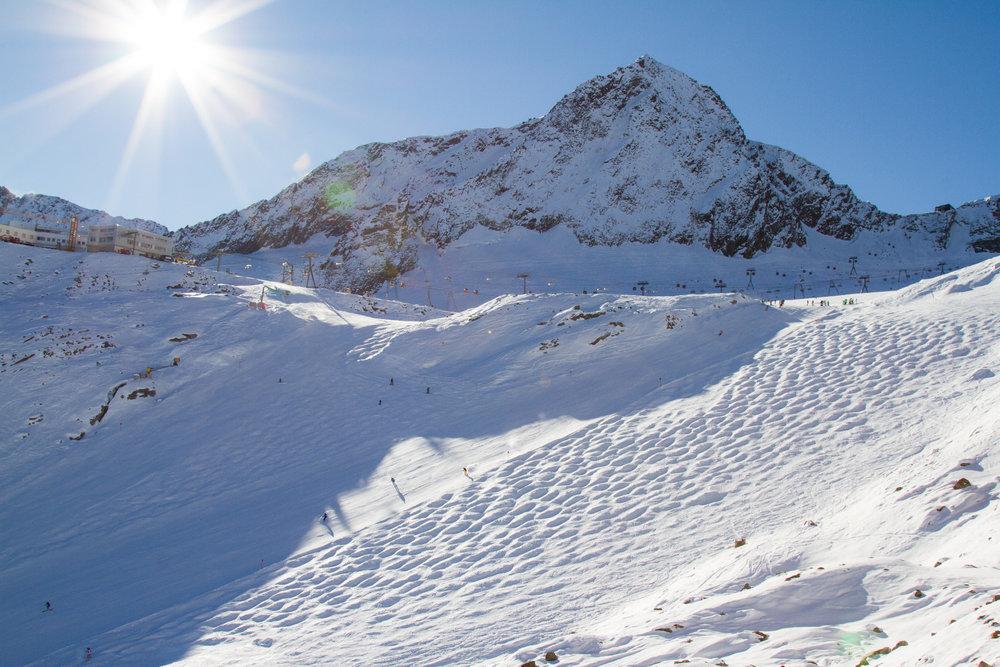 Die steile Eisjochzunge mit Buckelpiste - © Skiinfo