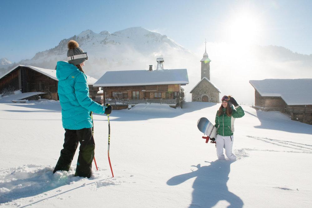 Ambiance hivernale et paysage de carte postale sur les hauteurs du Grand Bornand - © P. Lebeau / Les Aravis