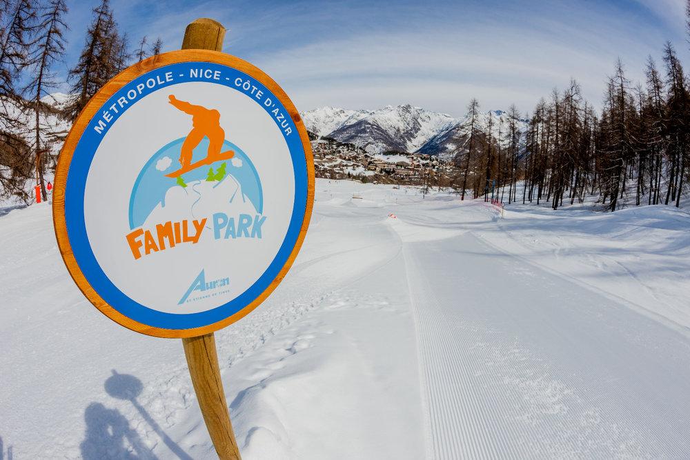 Plaisirs simples et joies de la glisse sur le Family Park d'Auron - © R. PALOMBA / Stations du Mercantour