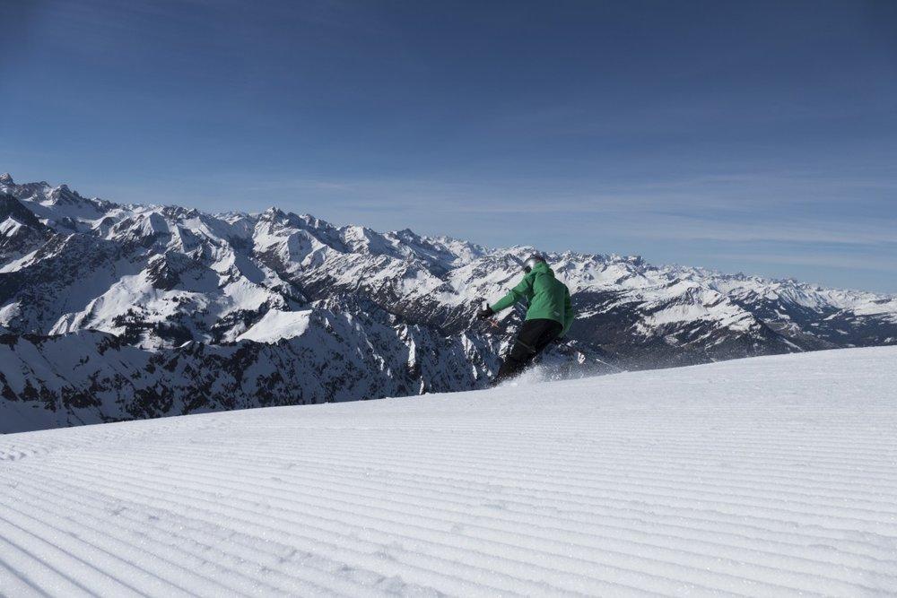 Skifahren am Nebelhorn - © 2015 DAS HÖCHSTE - Bergbahnen Oberstdorf/Kleinwalsertal