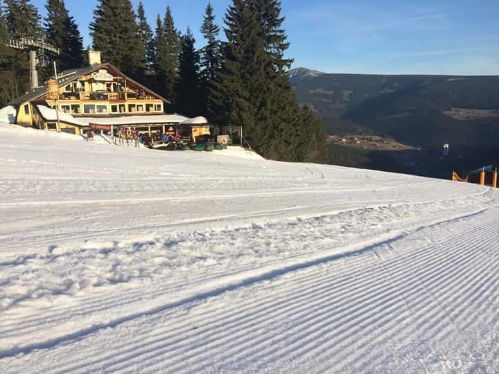 Pec pod Sněžkou - Zahrádky 20.12.2015 - © facebook SkiResort Černá hora - Pec