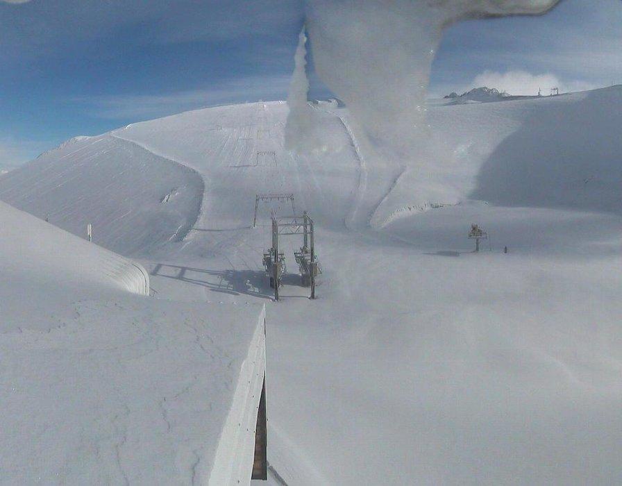 Le glacier des 2 Alpes recouvert d'une belle couche de neige fraîche (21 nov 2015)