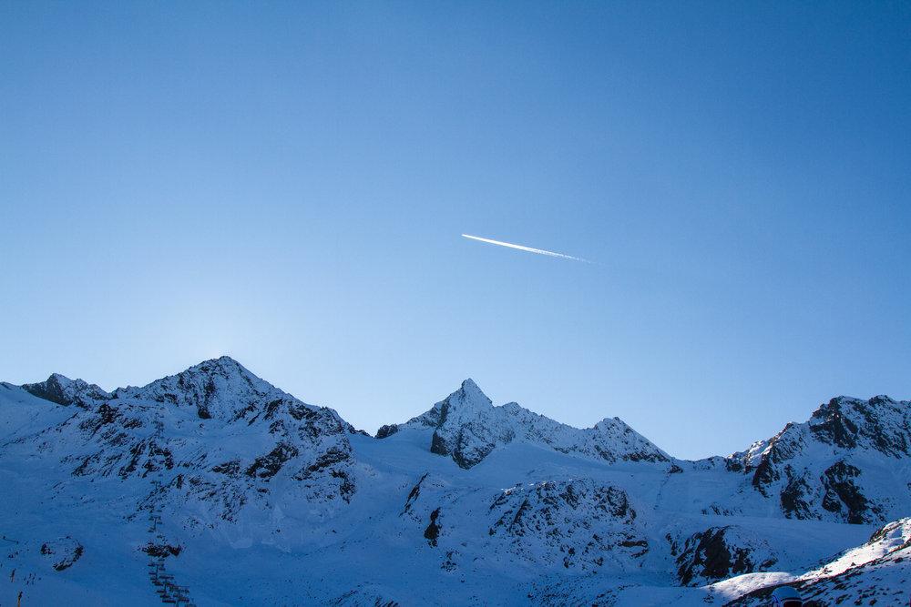 Die Stubaier Alpen in der Abenddämmerung - © Skiinfo