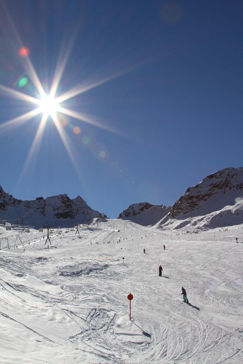 Lange und breite Abfahrt Eisjochferner - © Skiinfo