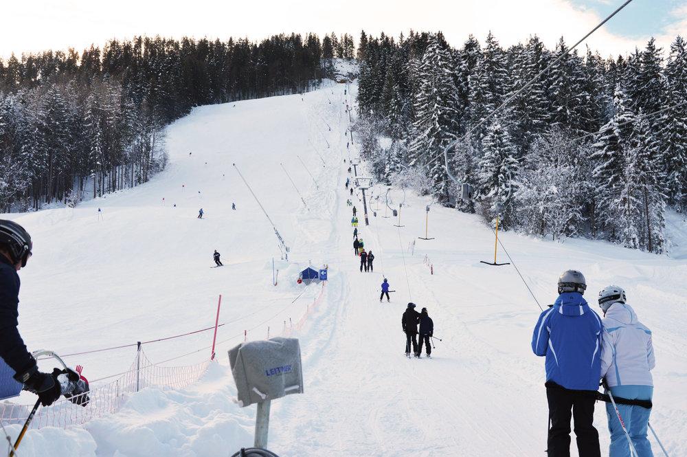 Tirolina und Schneeberg-Hagerlifte: Wo Skifahren in Tirol noch günstig ist - © Tirolina