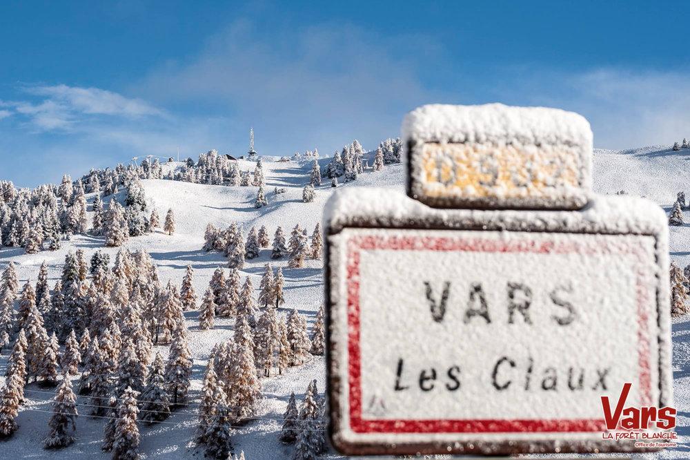 Vars sous la neige (29 octobre 2015) - © OT de Vars