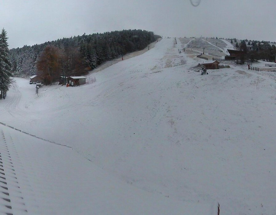 Wake up with snow at Prabouré (October 16, 2015)