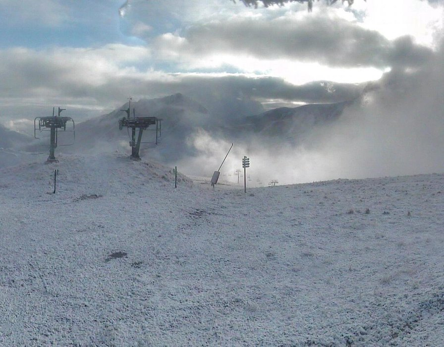 Wake up with snow at Valmorel (October 16, 2015)