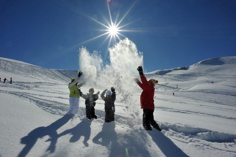 Les joies de la neige à Hautacam - © Vincent Groc
