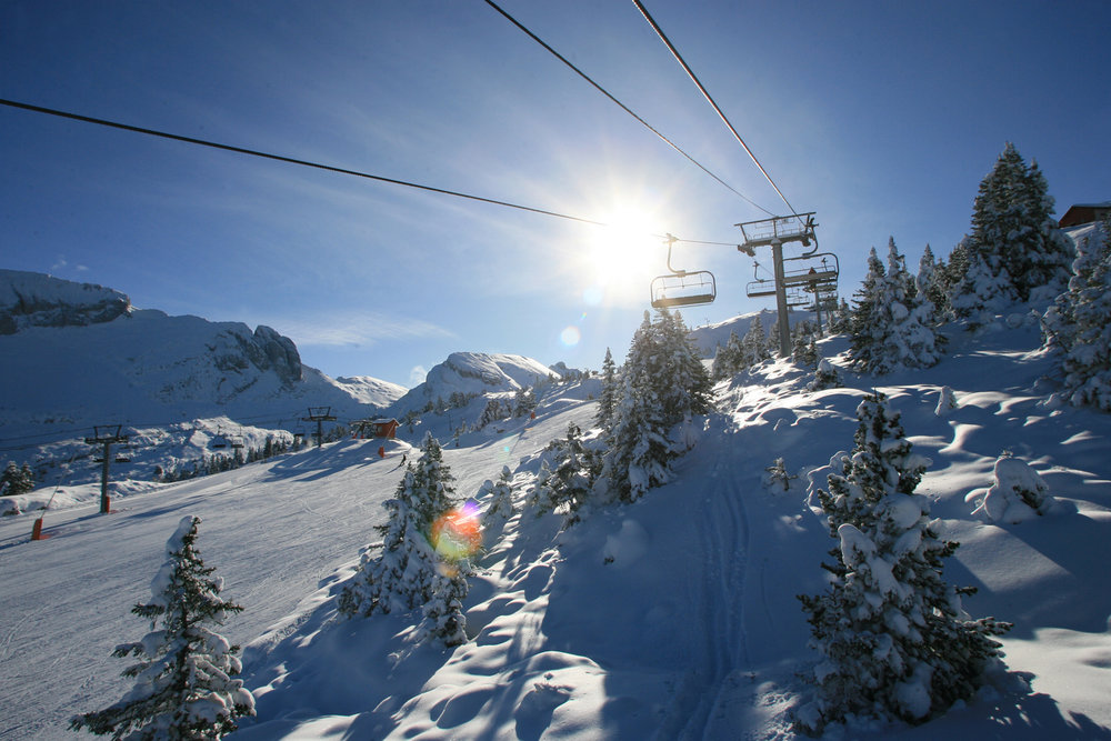 Conditions idéales (soleil et neige fraîche) sur les pistes de ski de Villard de Lans - © Thomas Hytte
