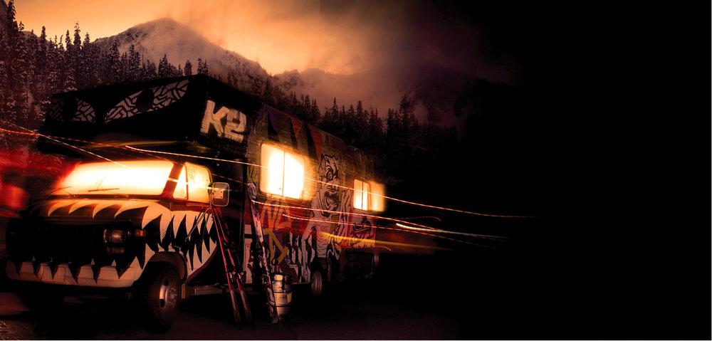 Autobus K2 pri západe slnka - © K2
