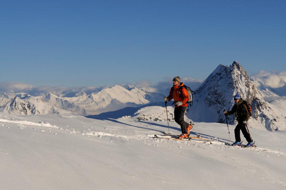 Skitourengeher unterwegs auf den Gipfel des Brechhorn - © Norbert Eisele-Hein